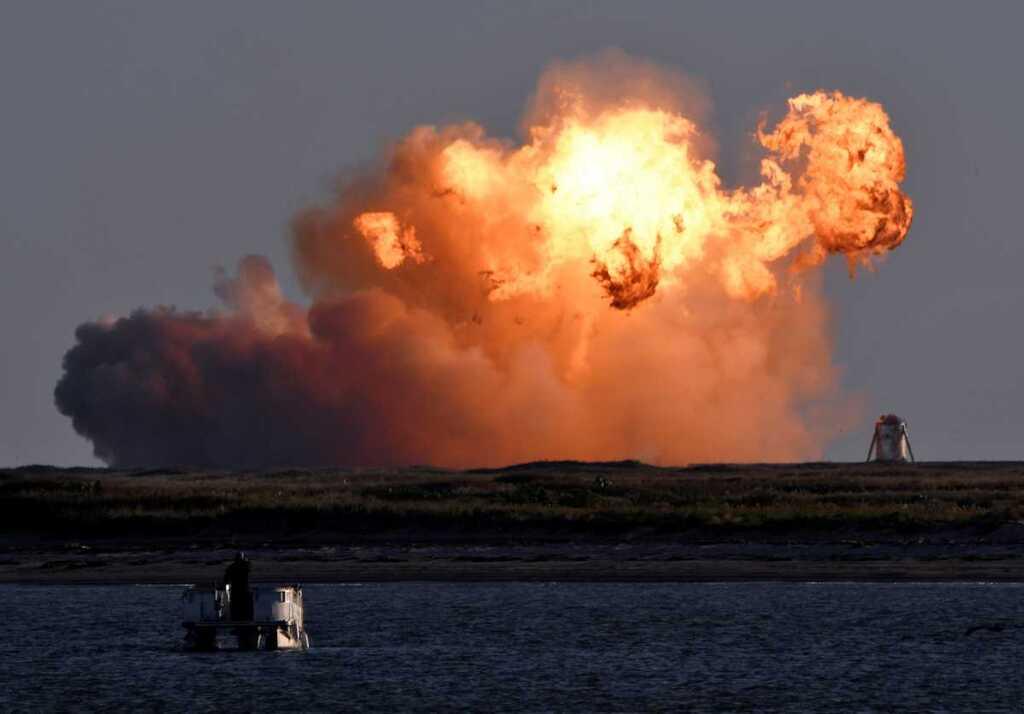 Почему Илону Маску трудно мягко посадить ракету на Землю